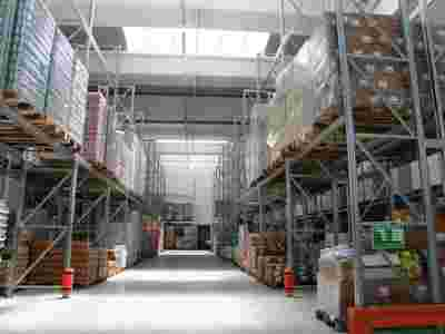 Scaffalature industriali e arredo negozi